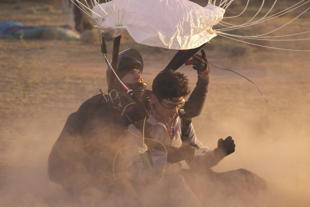 htc-skydiving-2