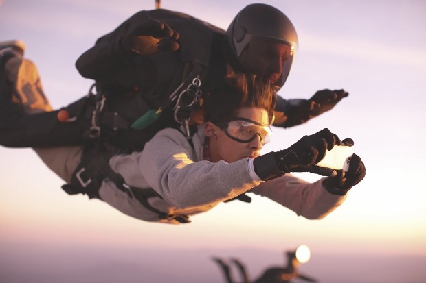 htc-skydiving-3